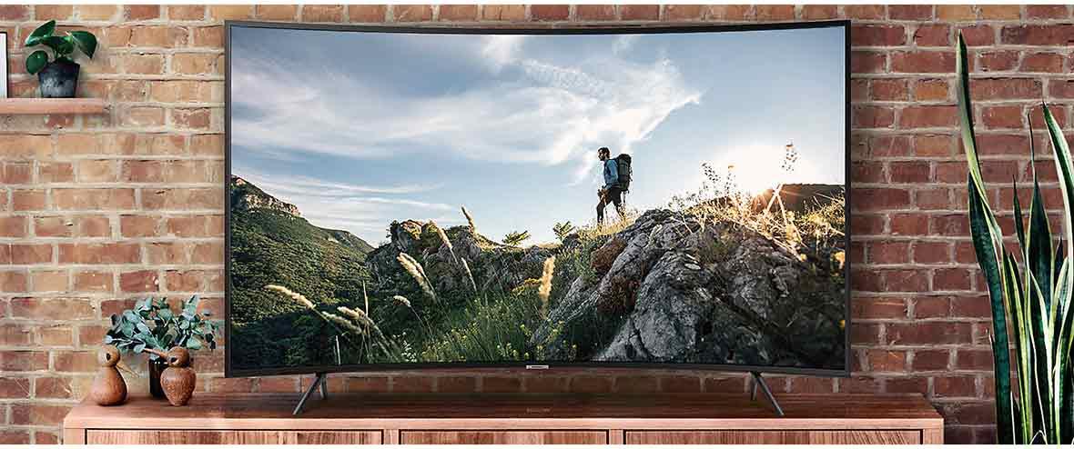 طراحی شیک و زیبای تلویزیون منحنی 4K سامسونگ مدل 49NU7300